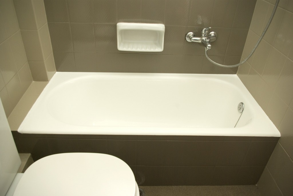 Επισμάλτωση μπανιέρας και ανανέωση μπάνιου